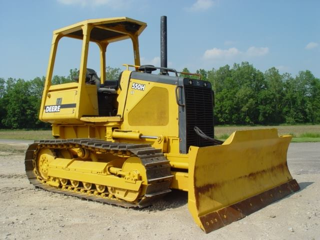 Sell your Construction, Landscape and Farm Equipment within our Flint, MI LIVE Auction